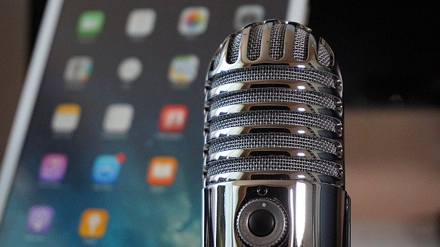 10 Noteworthy Podcasts for Writers
